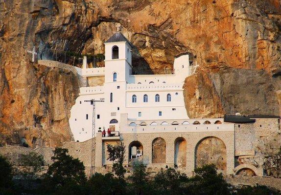 По черногорским монастырям и храмам