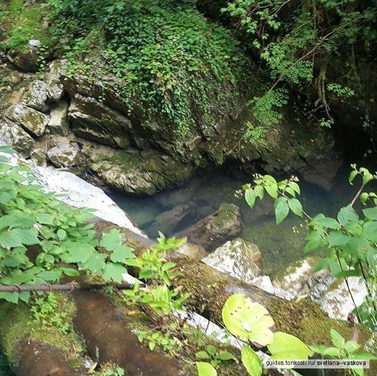 Скайпарк, монастырь и водопад Пасть дракона