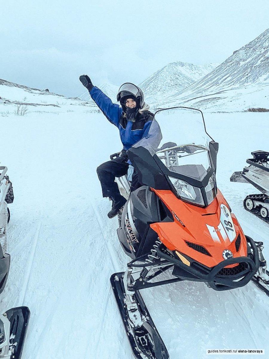 Горы Хибины, снегоходы, таинственный лес, снежная деревня