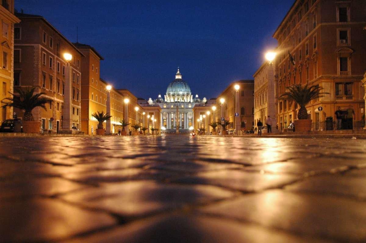 Обзорная экскурсия по ночному Риму на авто