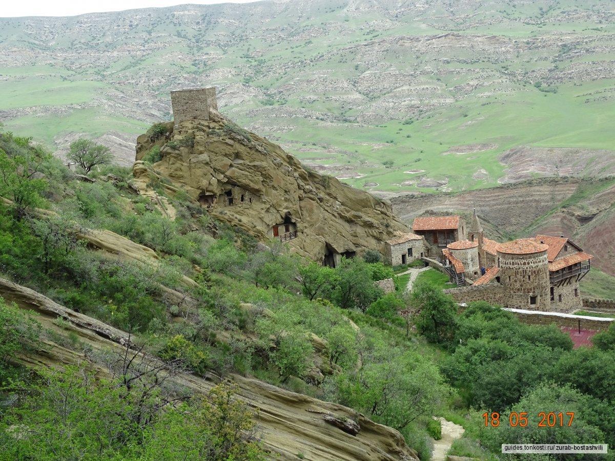 Экскурсия в Кахетию из Тбилиси. Монастырский комплекс Давид-Гареджа и город любви Сигнахи