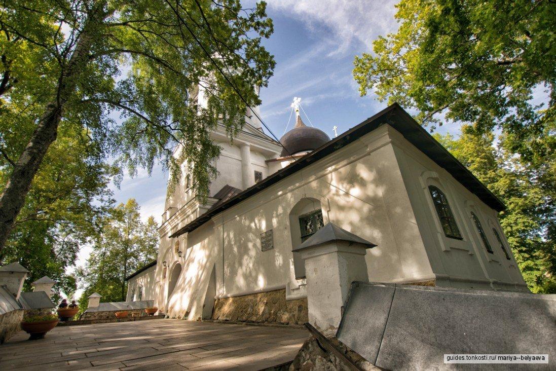 Пушкинские Горы (Михайловское, Тригорское, Святогорский монастырь)