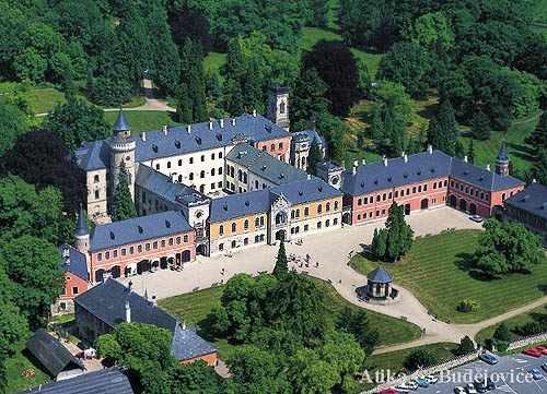 Из Праги в замок Сихров + замок Мельник