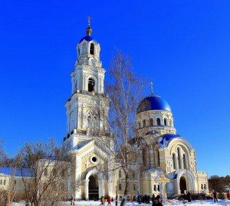 Калуга — монастырь Тихонова Пустынь, диорама «Великое стояние на Угре»