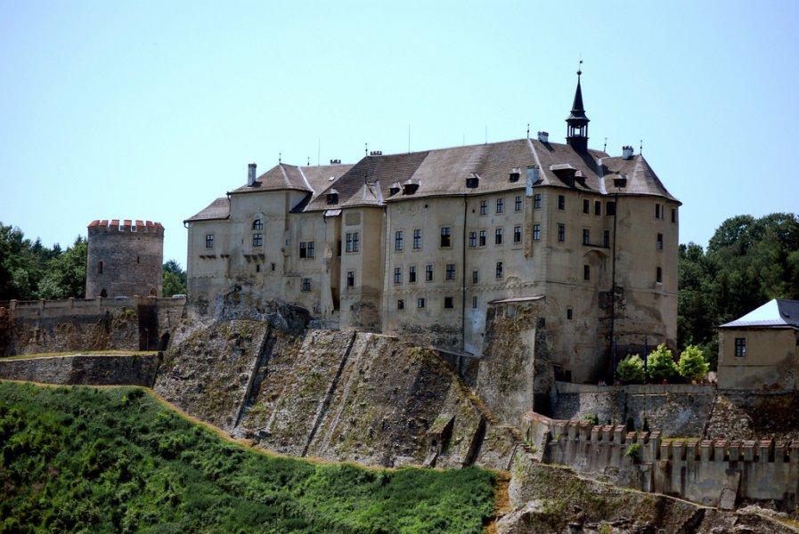 Из Праги в замок Чески-Штенберк + костехранилище и город готики Кутна-Гора (ЮНЕСКО)