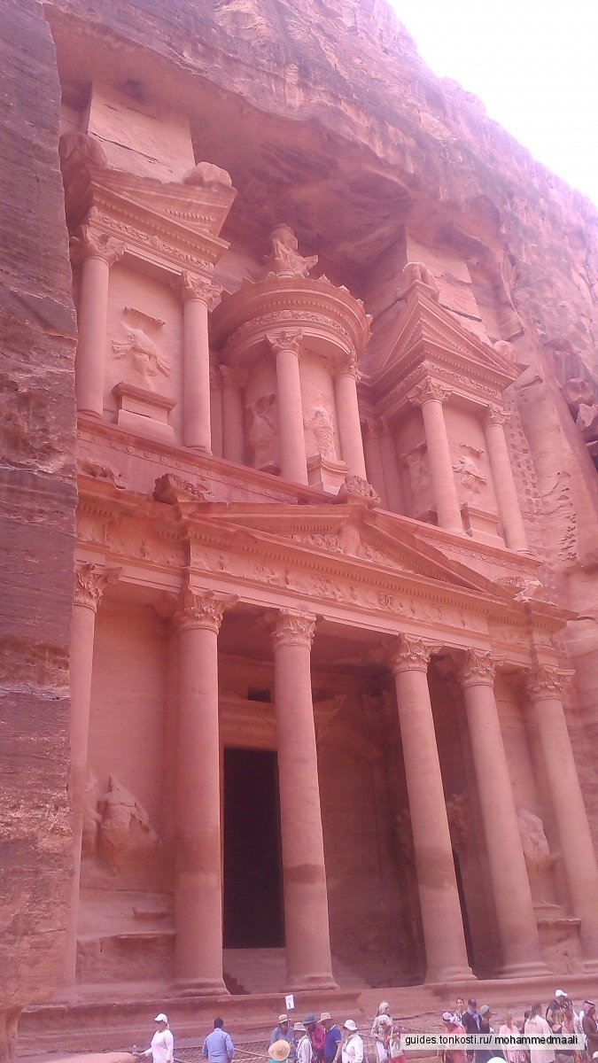 Петра -таинственный скальный город