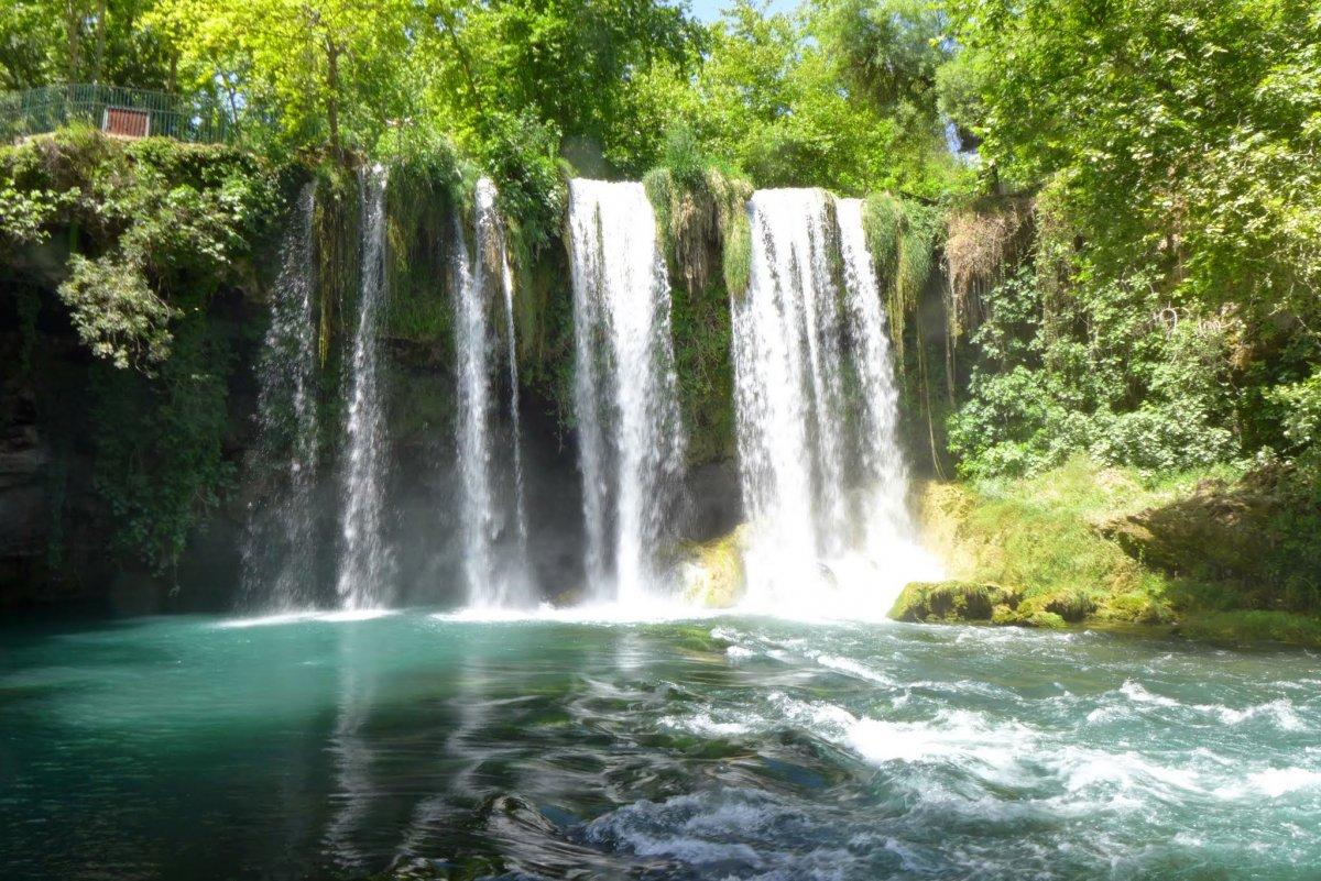 Два водопада