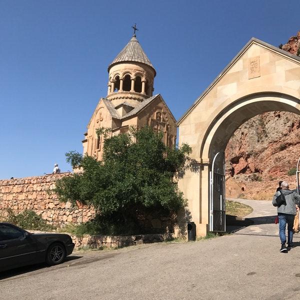 Хор Вирап и Нораванк — два красивейших монастыря Армении