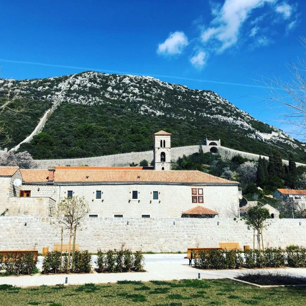 Приморское богатство Дубровника: Трстено, Стон