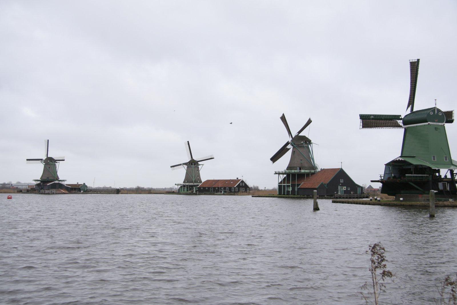 Традиционная Голландия: деревушки Зансе-Сханс — Волендам