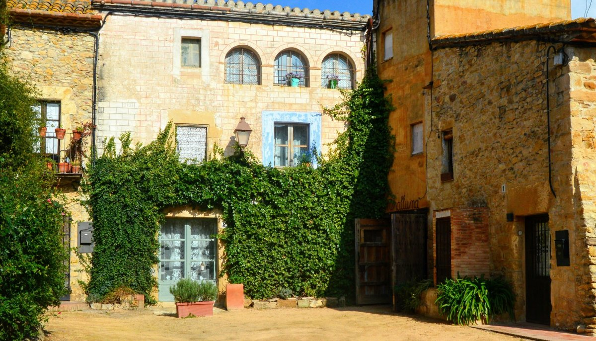 В каталонскую средневековую глубинку
