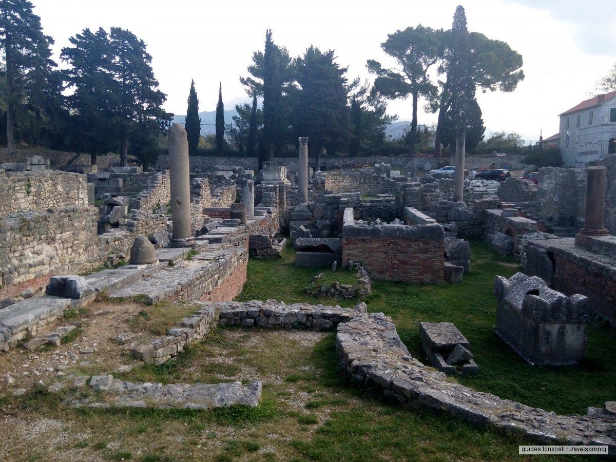 Диоклетианов дворец, Салона, Трогир