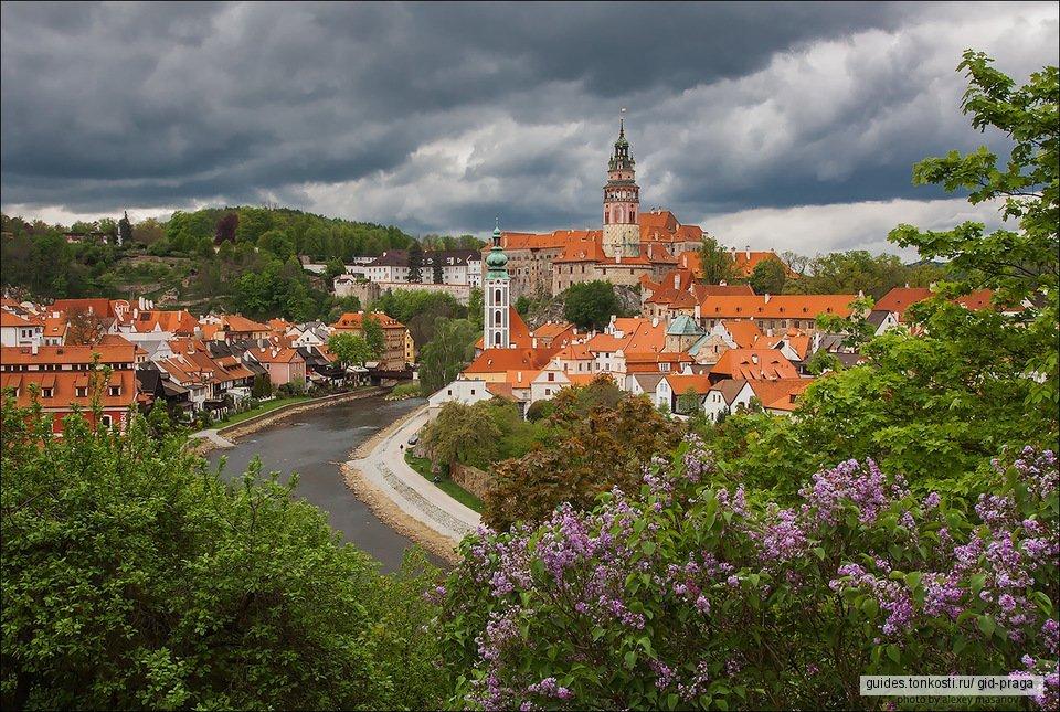 Чешский Крумлов — город из сказки и белоснежный замок Глубока-над-Влтавой