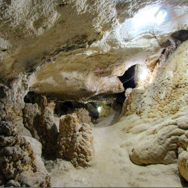 Загадочный подземный мир (уникальная пещера)