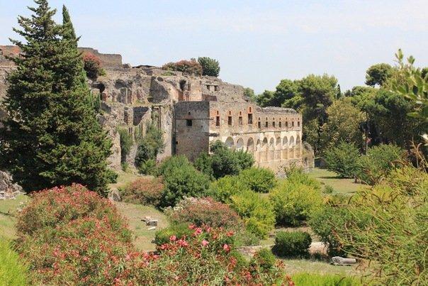 Неаполь и Помпеи. Казерта