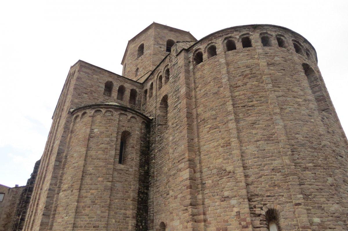 Замок Кардона и солярные пещеры