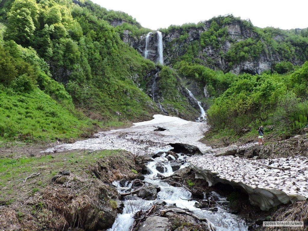 Вода в стремительном потоке мой завораживает взгляд... (Самый высокий водопад в Большом Сочи)