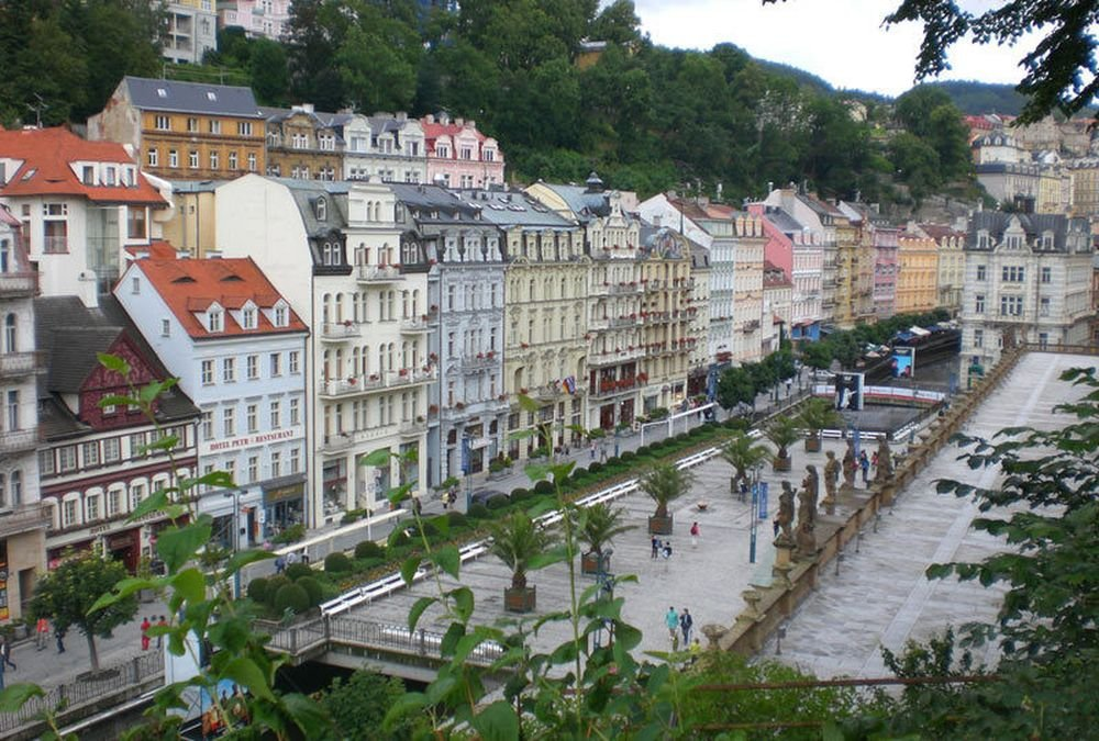 Из Праги в город-курорт Карловы Вары