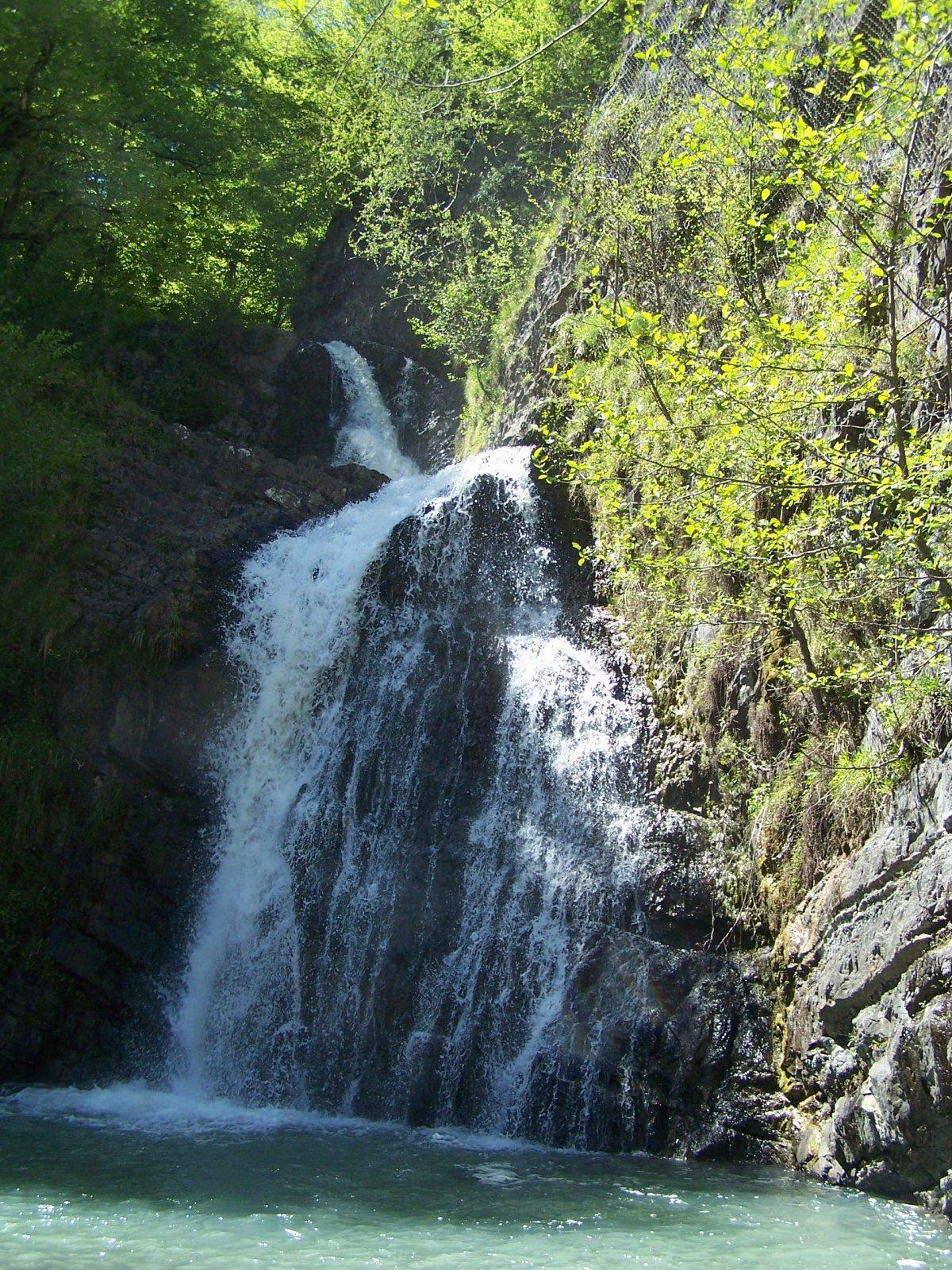 Водопады на реке Змейка
