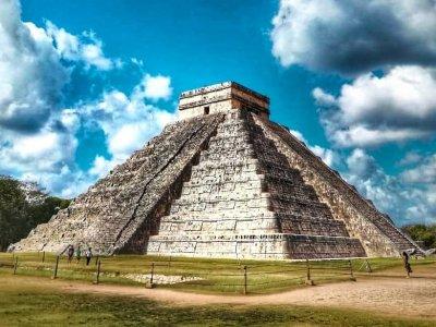 Загадки пирамид майя