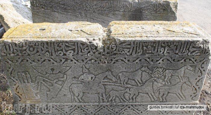 Гобустан, наскальные рисунки петроглифы, грязевые вулканы