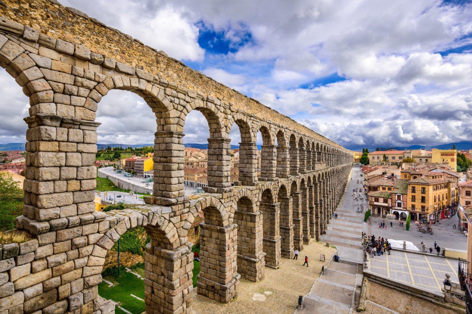 Автомобильная экскурсия из Мадрида в Сеговию. Сокровищница уникальных исторических мест