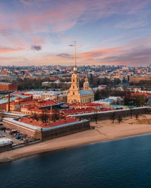 Петропавловская крепость — сердце Санкт-Петербурга