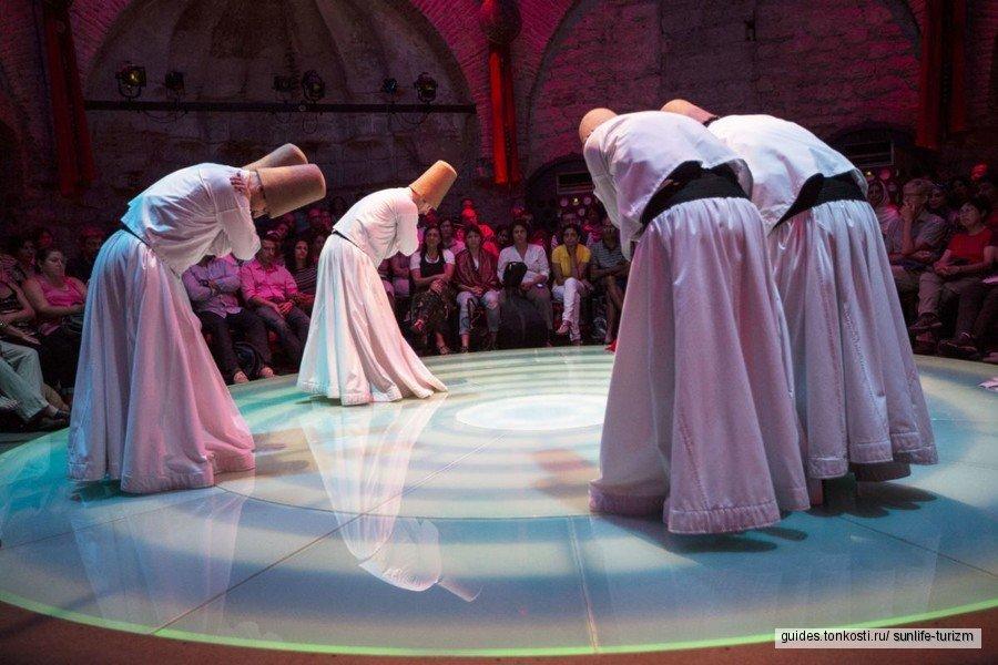 Театр Ходжапаша, танцы дервишей
