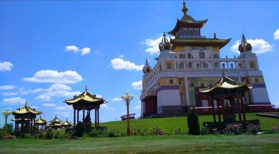 Элиста — центр монгольской культуры и буддизма