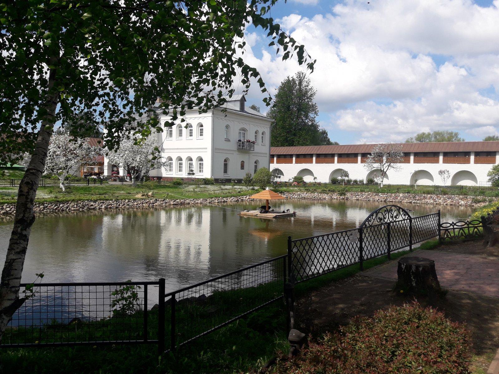 Свято-Введенский Толгский монастырь