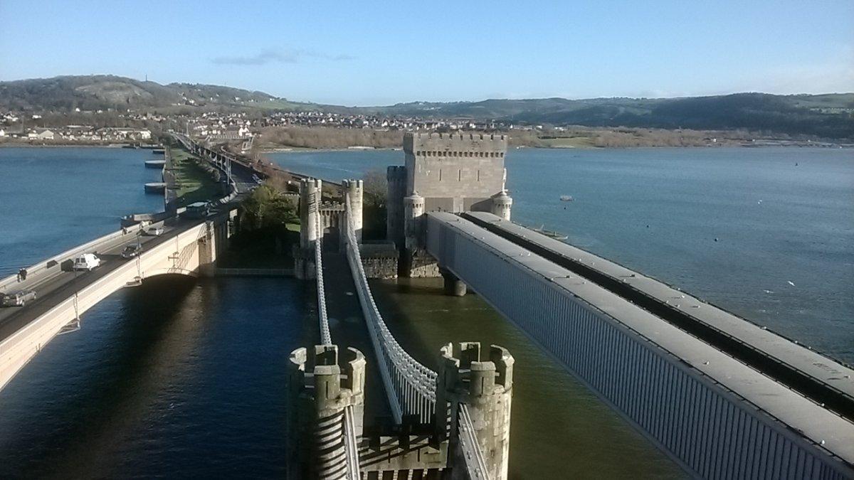 По замкам и Северному Уэльсу