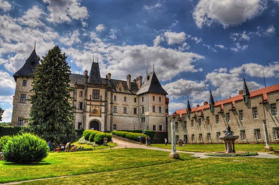 Из Праги в замок Жлебы