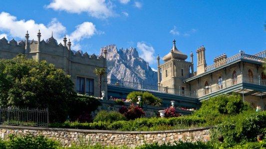 Дворцы — символы Крымского побережья