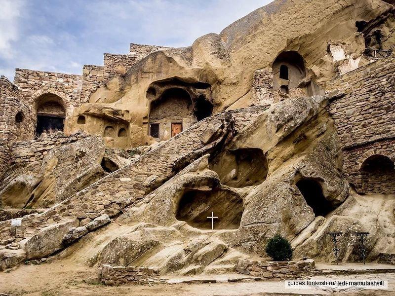 Давид — Гареджи: монастыри, пещеры и пустыня! тур 1 дня