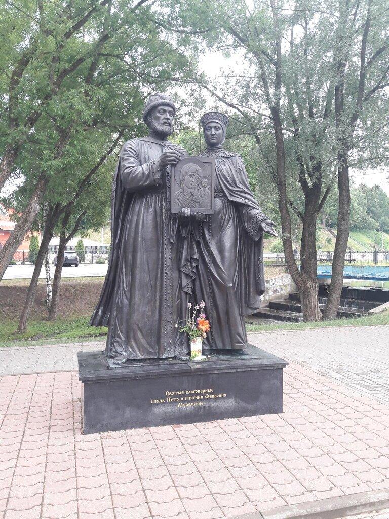 Сергиев Посад. Возле стен монастырских.