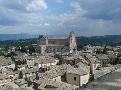 5 городов за один день: Орвието, Чивита-ди-Баньореджо, Больсена, Монтефьясконе, Витербо. Автопробег