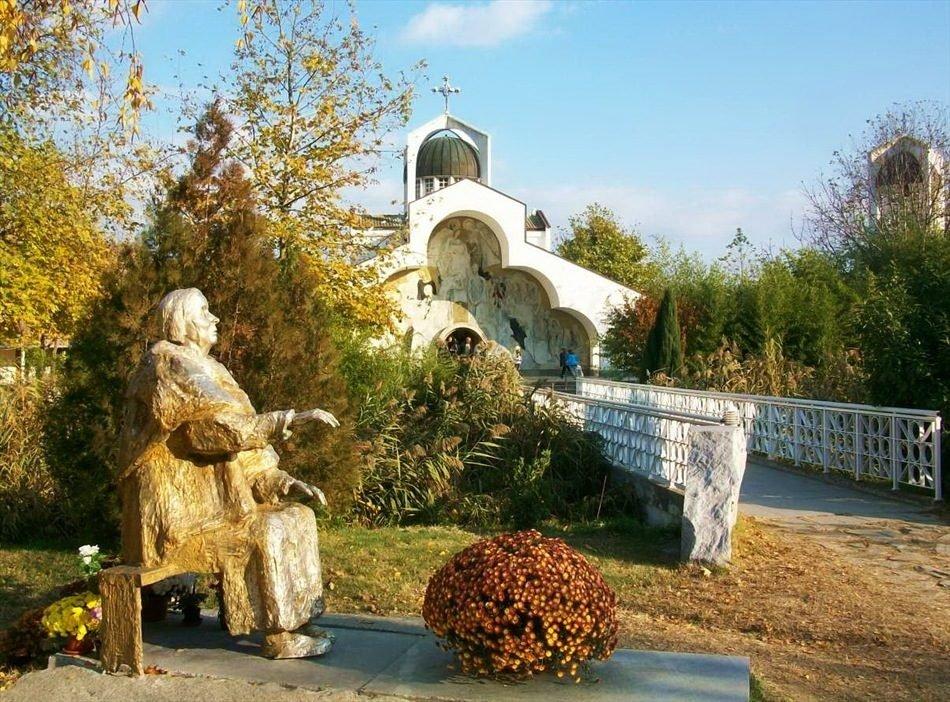 По местам бабушки Ванги на авто из Софии