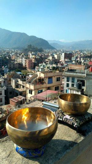 День поющих чаш и город Патан