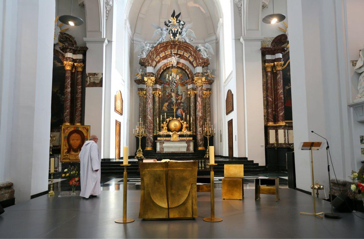 Льеж Сименона, Петра I, св. Ламбертуса и Калатравы