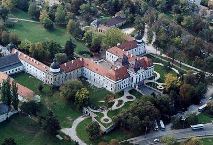 Любимый дворец королевы Сисси в «Венгерском Версале» и средневековый замок в «винном» городе Эсер