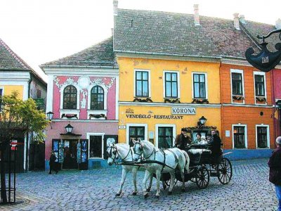 «Венгерский Монмартр» Сентендре — город художников, знаменитого Музея марципана и японских туристов