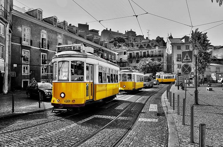 «Лиссабон ежедневно в 15:15»