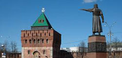 Площадь Минина и Пожарского в Нижнем Новгороде