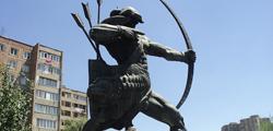 Статуя Айка в Ереване