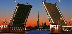 Дворцовый мост в Санкт-Петербурге