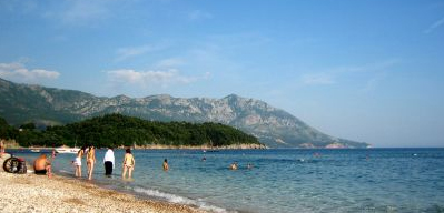«Славянский пляж» в Будве