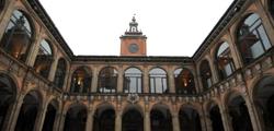 Архигимназия Болоньи