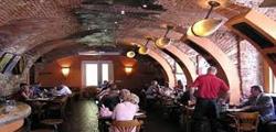 Пивной ресторан «Старые времена» в Праге