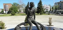 Памятник «Вечный студент» в Тамбове