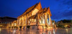 Храм Ват-Сутхат